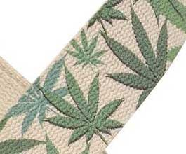Hemp Guitar Strap - close up (greenLeaf)