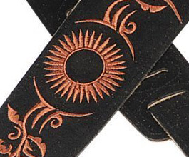 embroidered guitar strap 09 close up